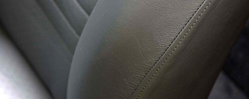 手入れされた革の良さをキープする革シートリペア