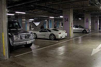 空き駐車場を有効活用しながら、 管理費の補てんとセキュリティを両立。
